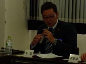 8 小川副委員長