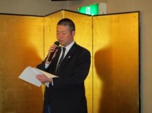 会長所信や事業計画についてを説明する 森田次年度会長予定者